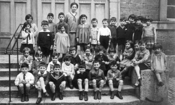 Klassenfoto der 1. und 2. Klasse der Jüdischen Volksschule, 1927