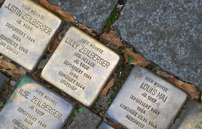 Stolpersteine für die Familien Mai und Zeilberger in der Sterngasse